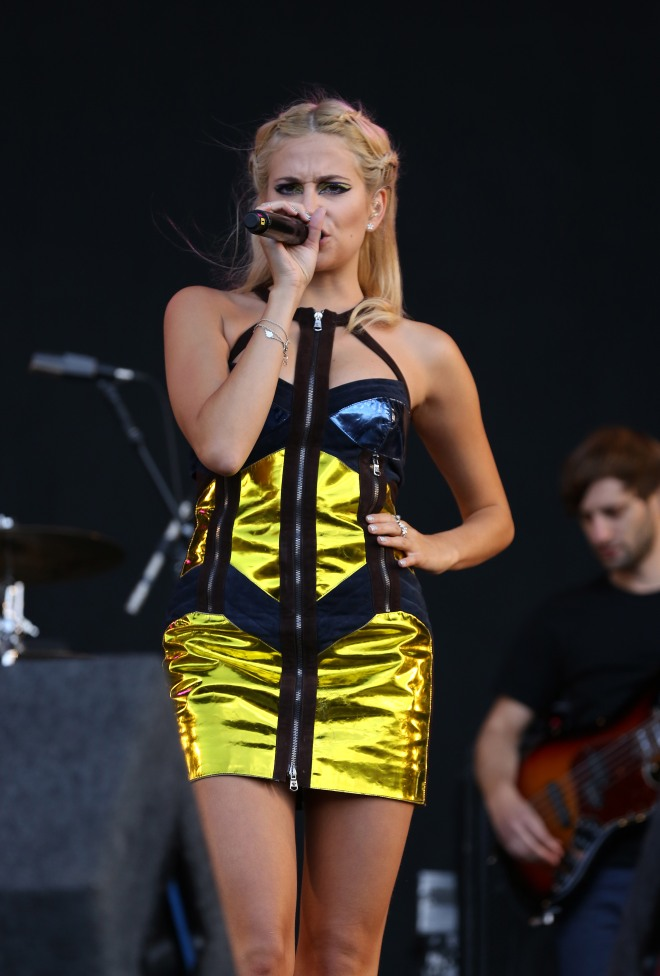 pixie lott at v