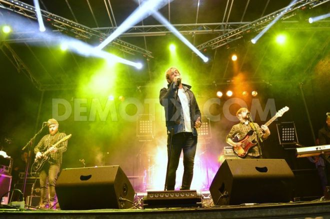 1414459584-former-westlife-singer-kian-egan-performs-live-in-armagh-_6125292